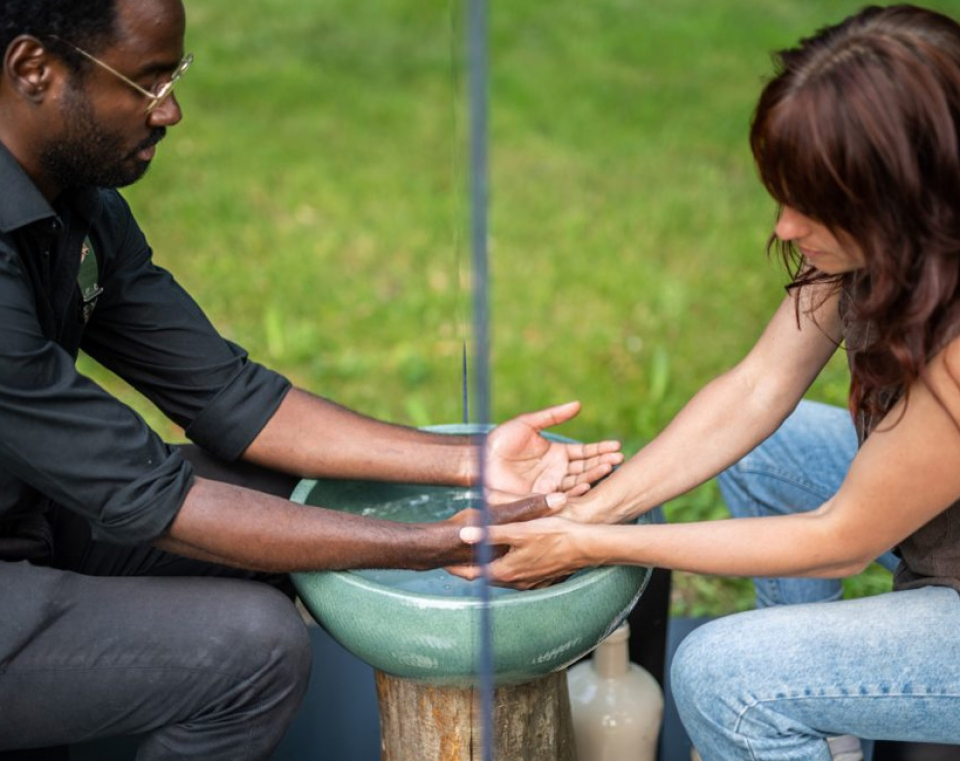 Washing Hands - Building Conversation, foto: Bart Grietens